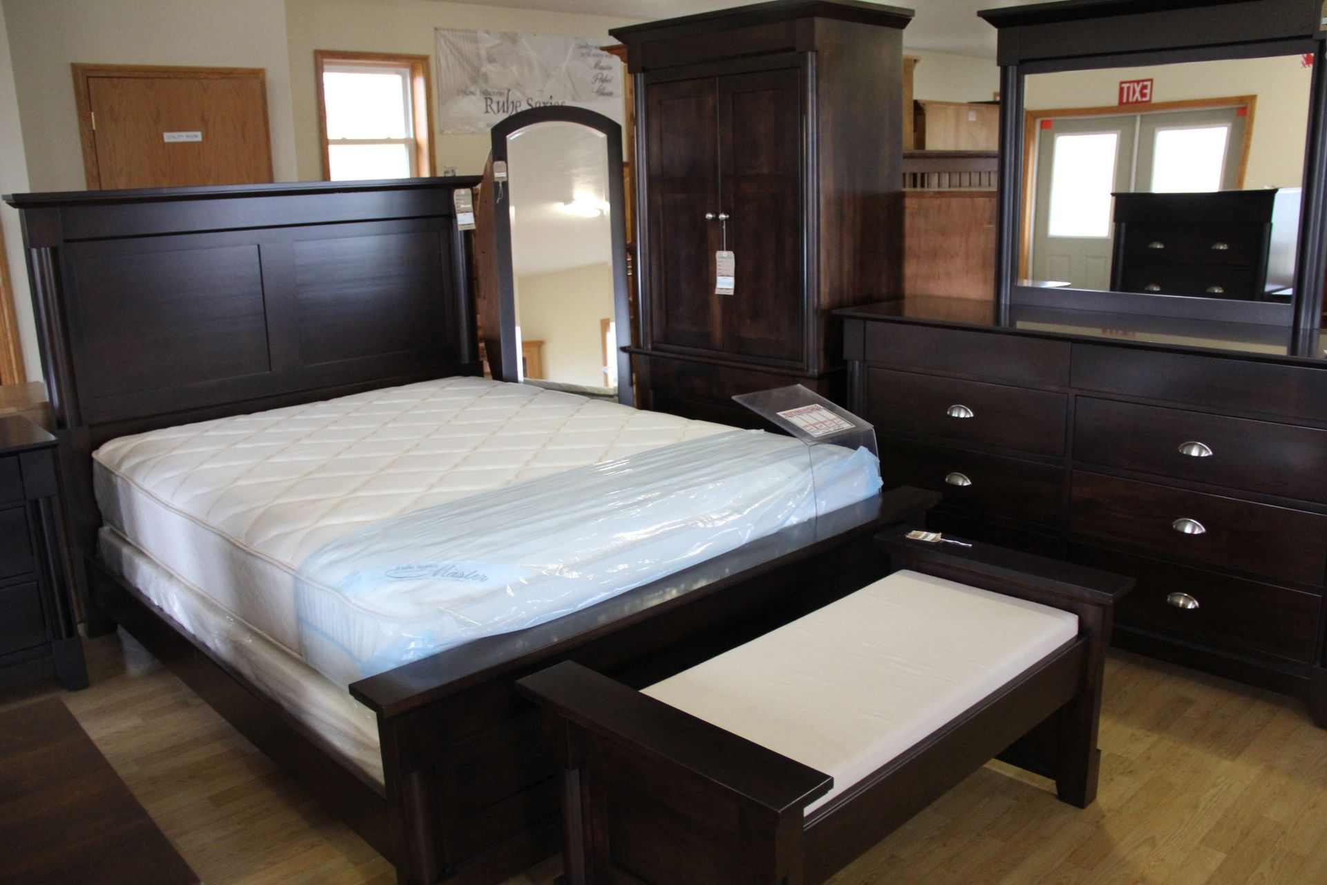 A Splendid Bedroom Furniture Set! #ShopGF