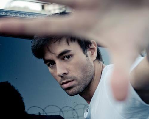Renata Tavaress Page - Enrique Iglesias - New Single