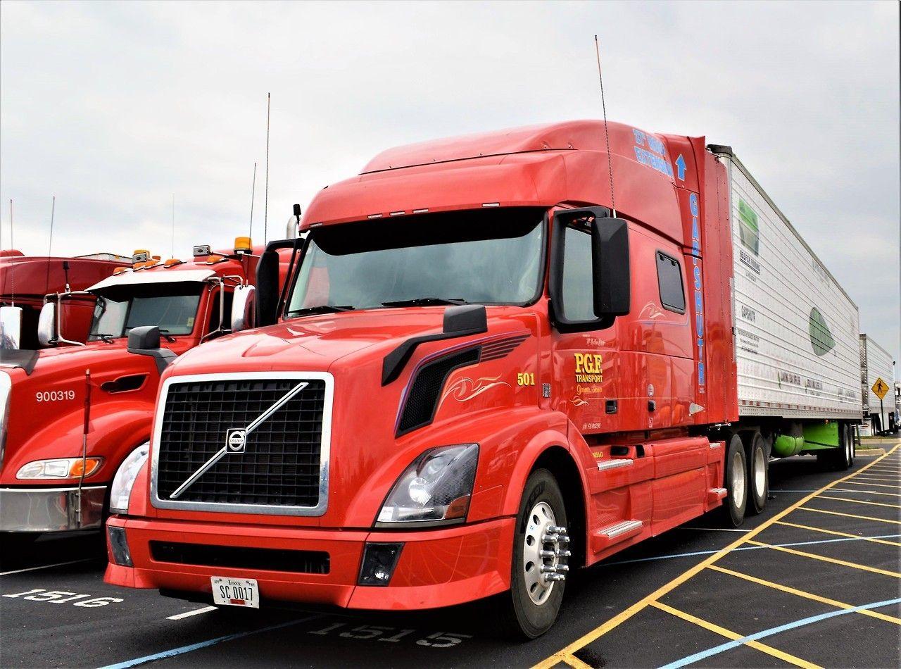 Semi Trucks Trucks Volvo Trucks Truck Driving Jobs