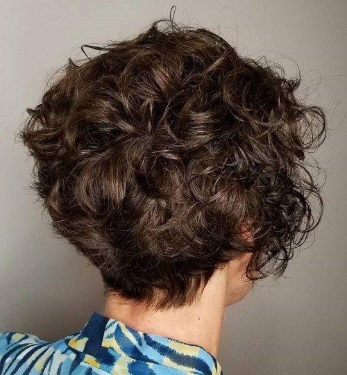 60 coiffures courtes ondulées les plus charmantes en 2020 (avec images) | Cheveux courts bouclés ...