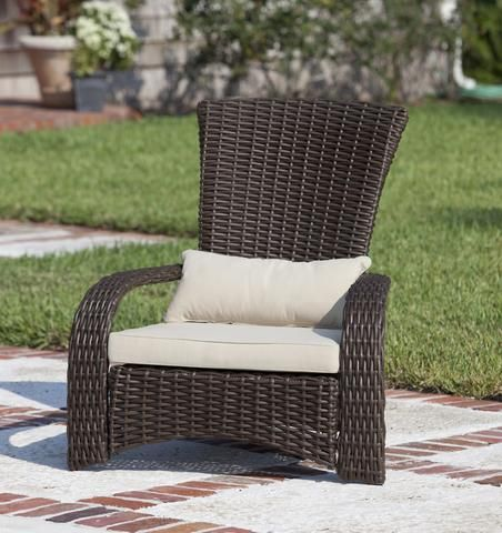 Deluxe Coconino Adirondack Style Wicker Chair Outdoor