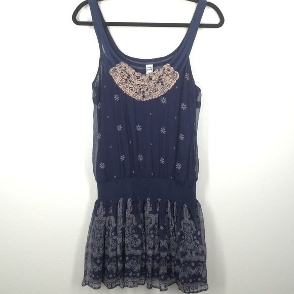 Free People Navy Floral Tank Size 4 Beautiful Navy Tank With