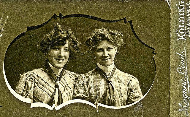 Agnes Thuesen & Karen Schmidt in Kolding Denmark in about 1910 | Flickr - Photo Sharing!