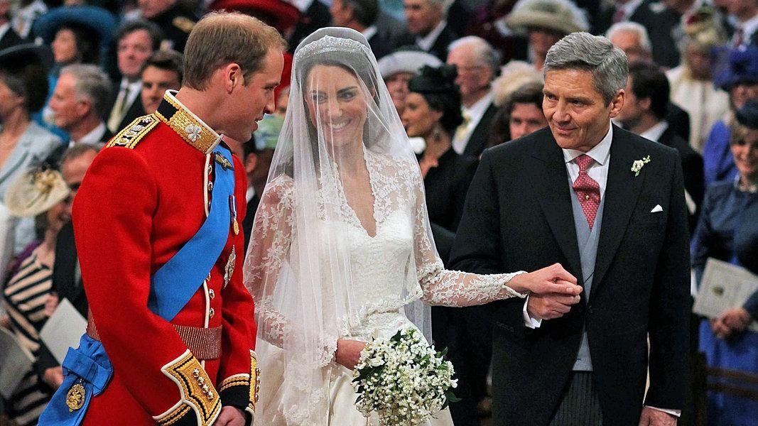 Archivinhalte Royalty Kate Middleton Hochzeitskleid Braut Hochzeit Prinz William
