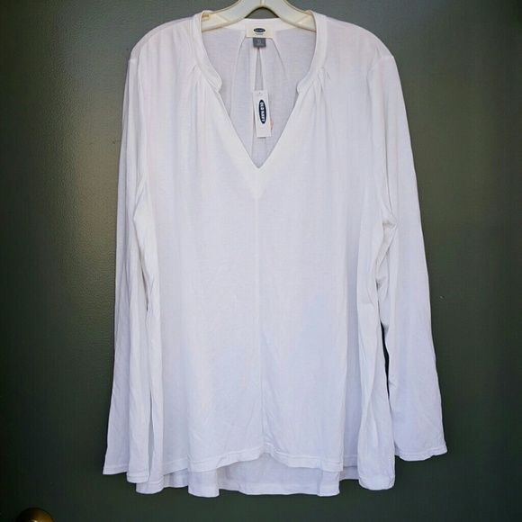 Blouse Old Navy white blouse great for work or play. 100% Rayon Tops Blouses