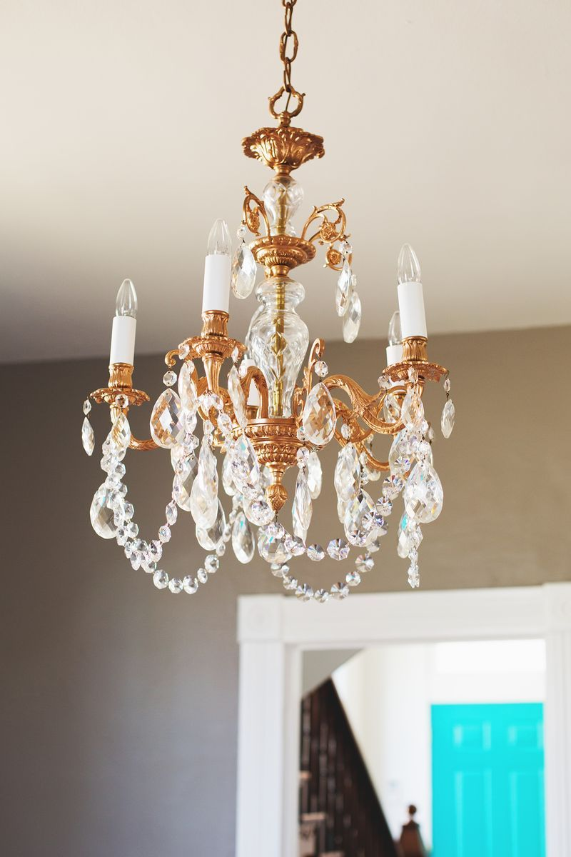 Our restyled copper chandelier diy pinterest copper spray spray paint an old chandelier with copper spray paint aloadofball Gallery