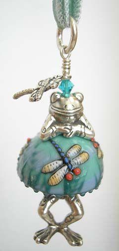 Frog Charm - Bead Critter Pendants - Dragonfly Dress Frog
