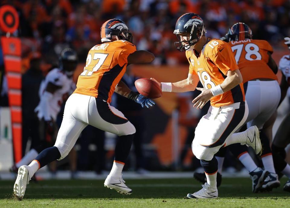 Broncos Vs Buccaneers First Half Photo Gallery