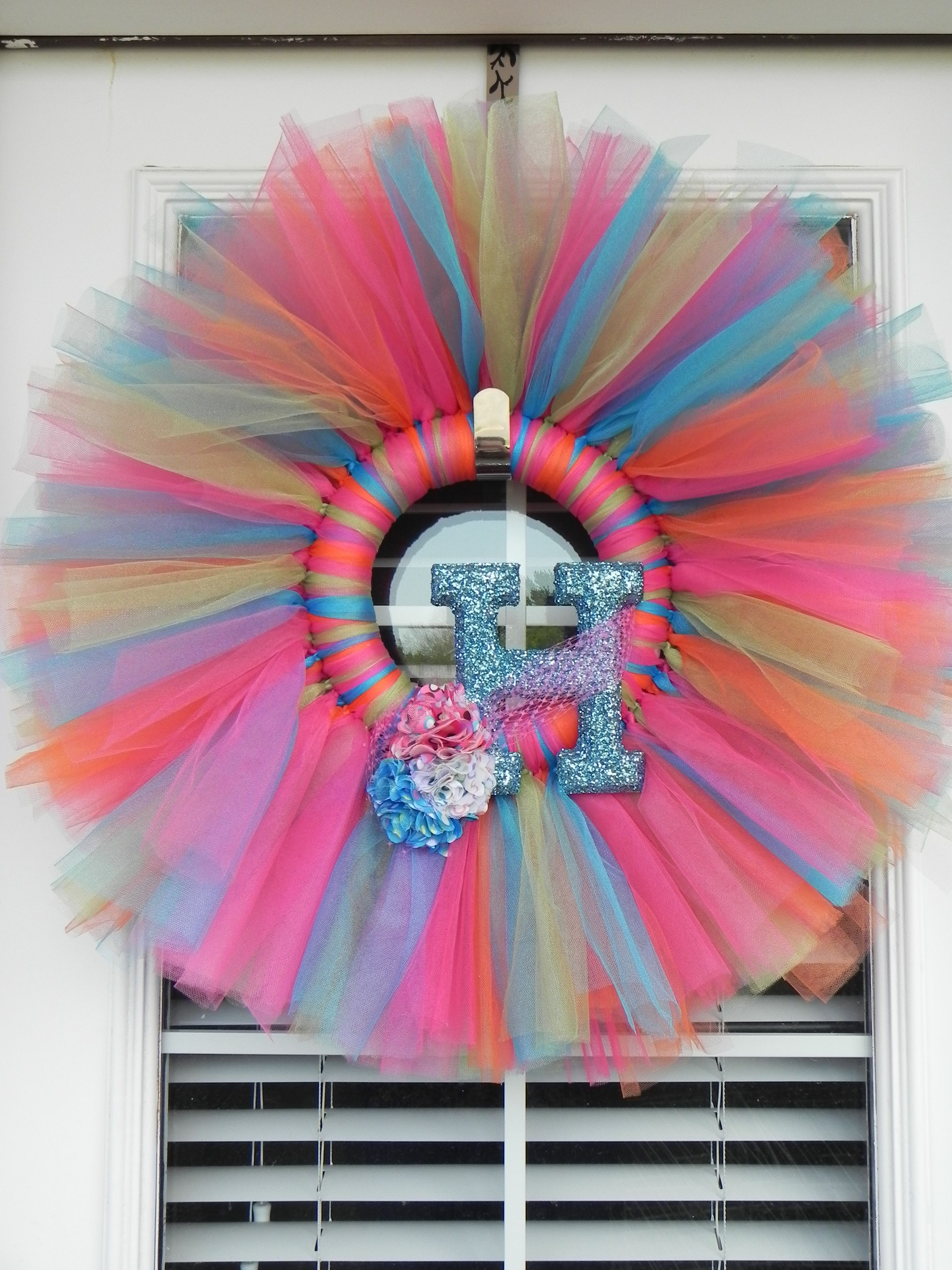 Tulle Wreath With Initial On It Tulle Wreath Wreath Crafts Diy Spring Wreath