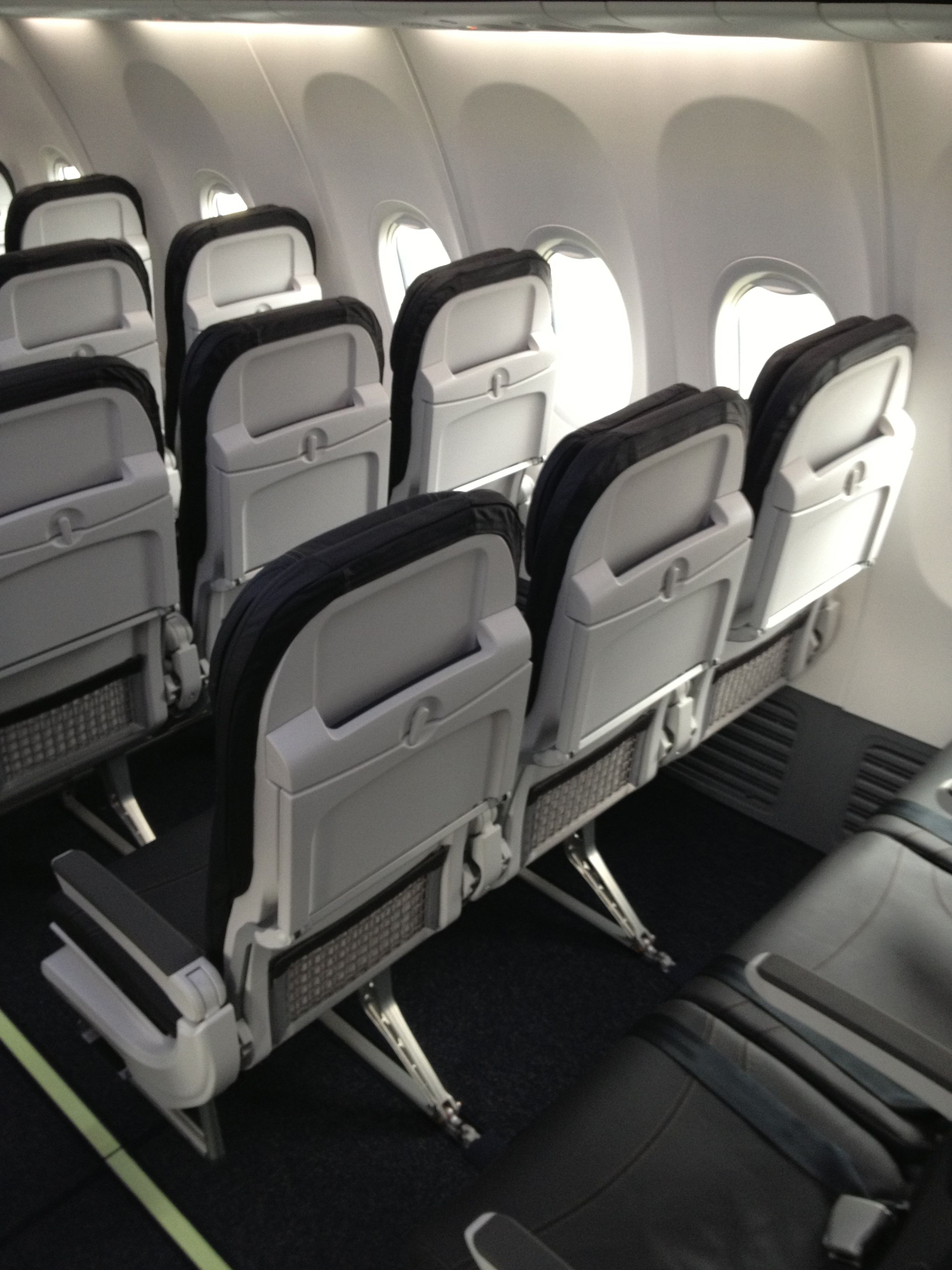 the new Recaro seats on Alaska Airline\'s Boeing 737-900ER | Boeing ...