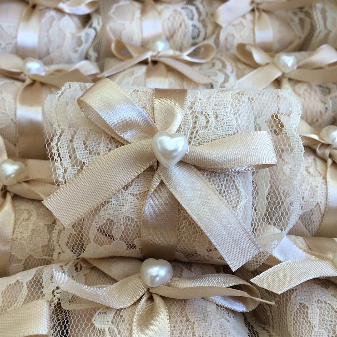 """O Universo das noivas no Instagram: """"Está procurando por Bem Casados? Conheçam a @bemcasaderia_ São Deliciososssss! Orçamentos via whats (79)99158-8585, ou bemcasaderiase@gmail.com #universodasnoivas #noiva #wedding #weddingday #bemcasados #casamento #casamentos #vestido #voucasar #vestidodenoiva Veja mais no ig @bemcasaderia_"""""""
