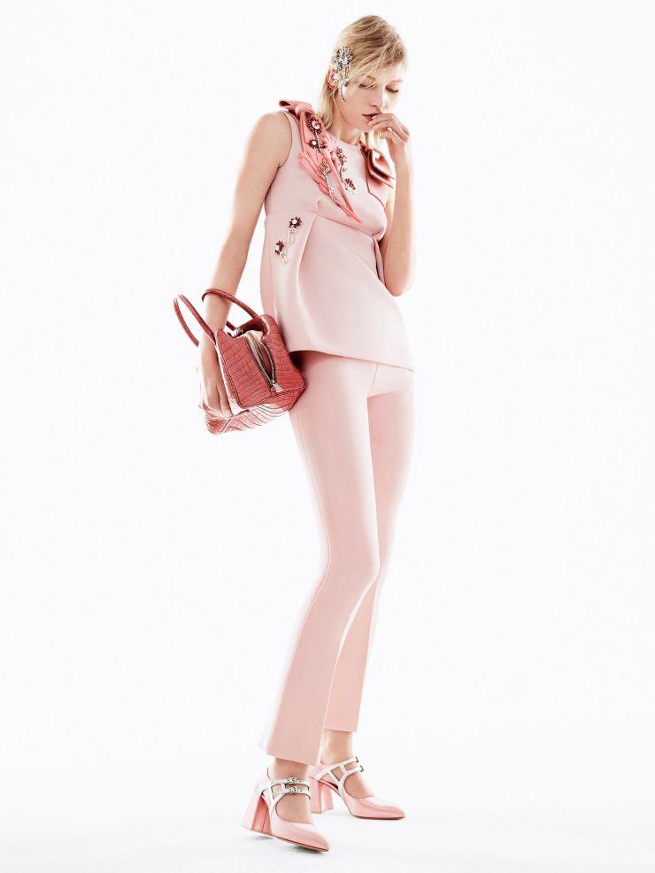 Publication: Vogue Japan August 2015 Model: Aline Weber Photographer: Victor Demarchelier