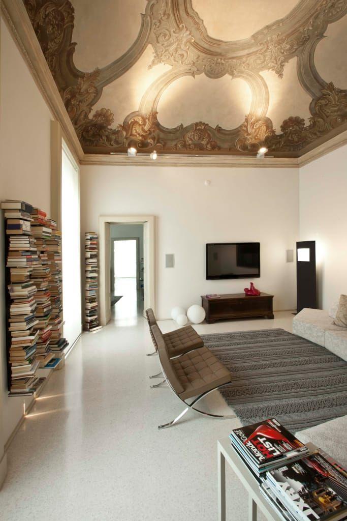 Appartamento in palazzo chiapponi di pat. moderno Stili