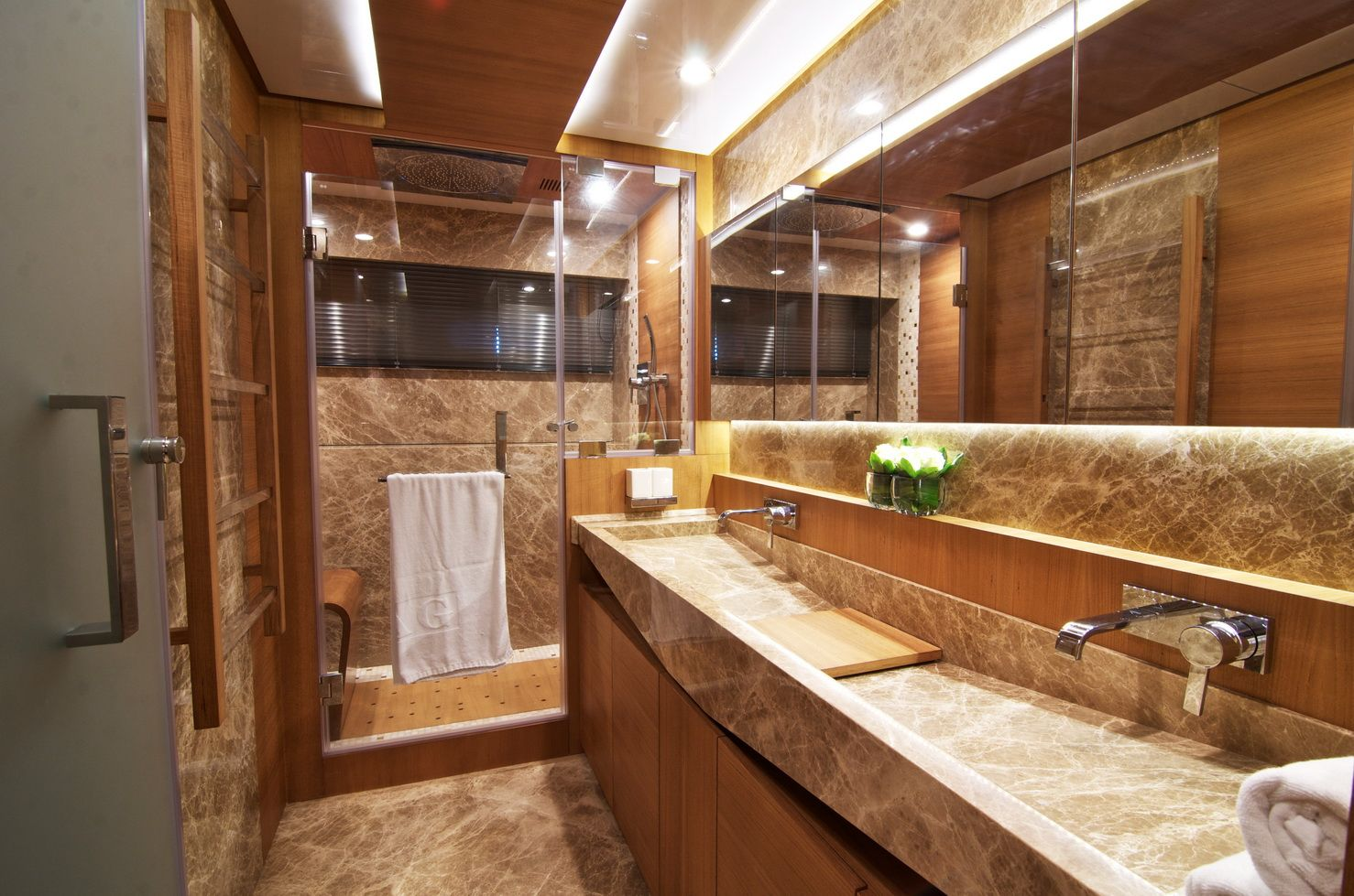 Small luxury cabin interior - Luxury Yacht Bathrooms Bathroom Images Of The Iag 100 Luxury Yacht