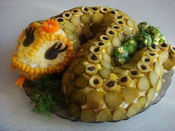 Фото новогодние салаты с мясом | Продуктовый юмор ...