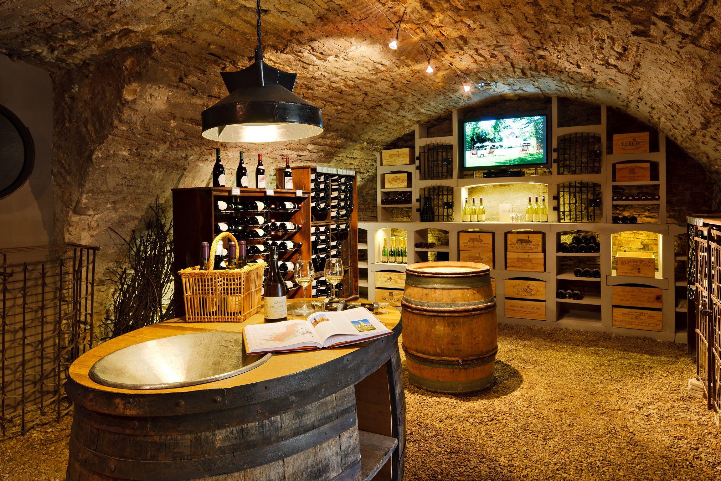 Initiation La D Gustation Et Vente De Vin Lhostellerie De