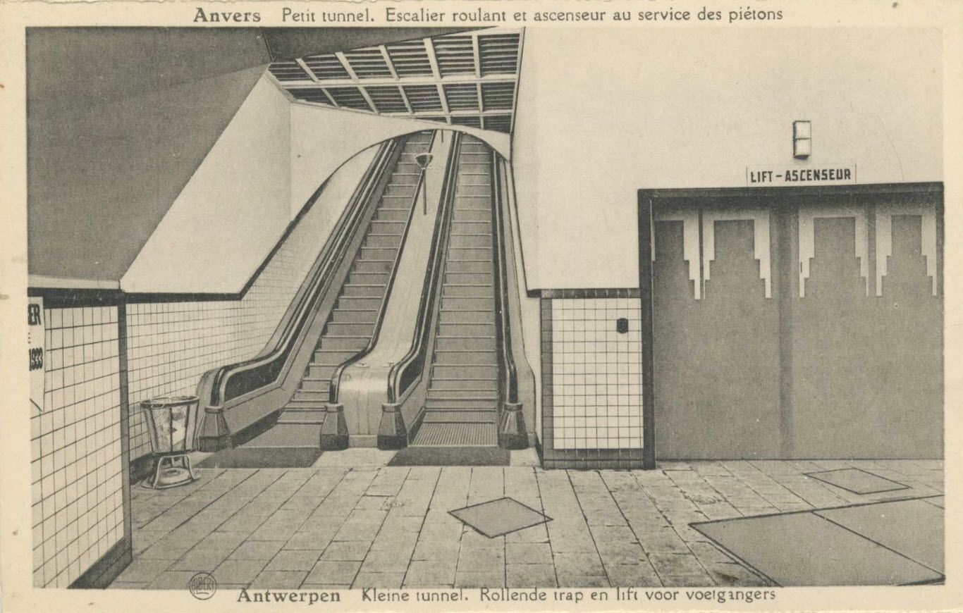 Een prent postkaart kleine tunnel de rollende trap en lift voor voetgangers zijde - Trap voor daken ...