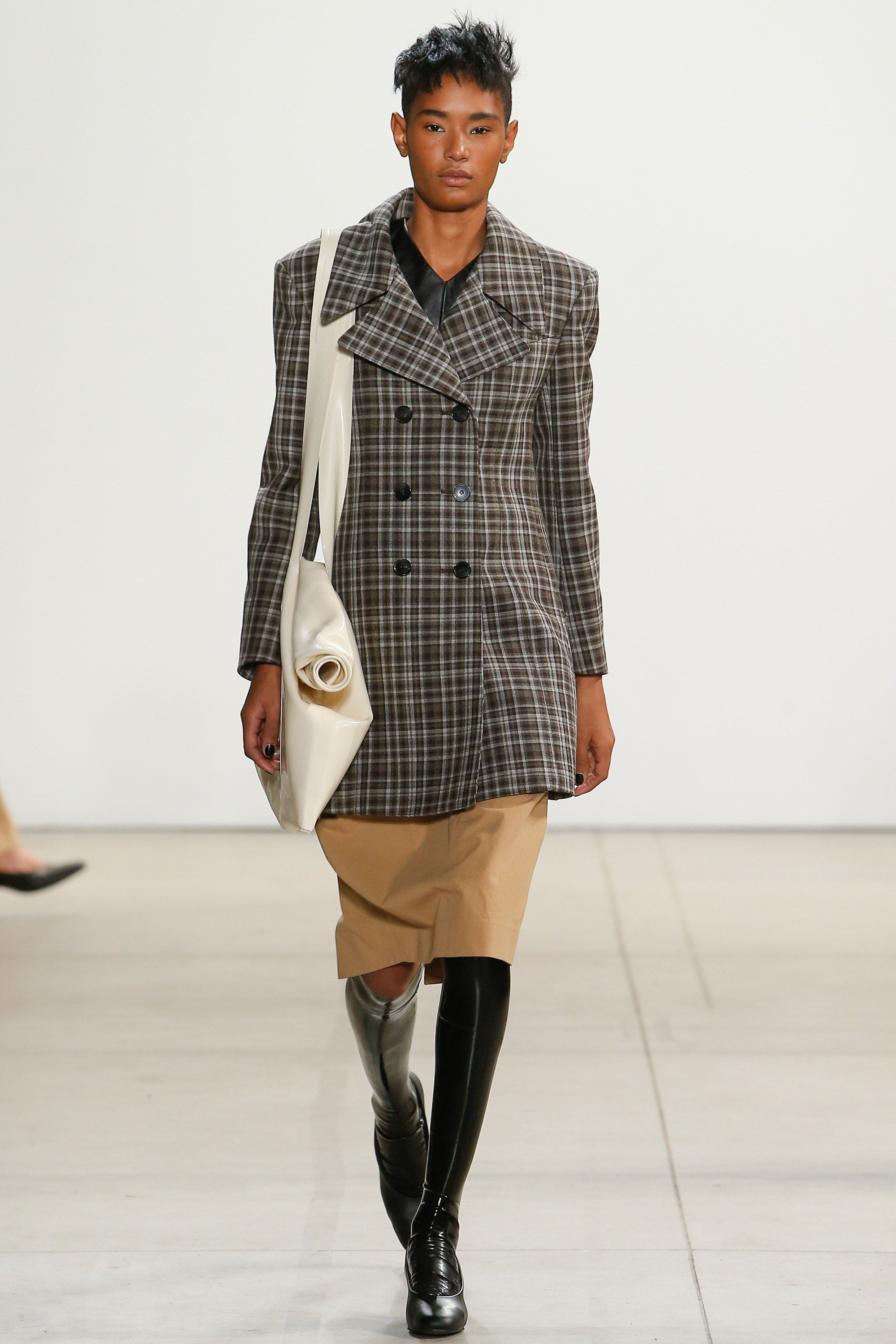 Creatures of the Wind Fall 2017 Ready-to-Wear Collection Photos - Vogue