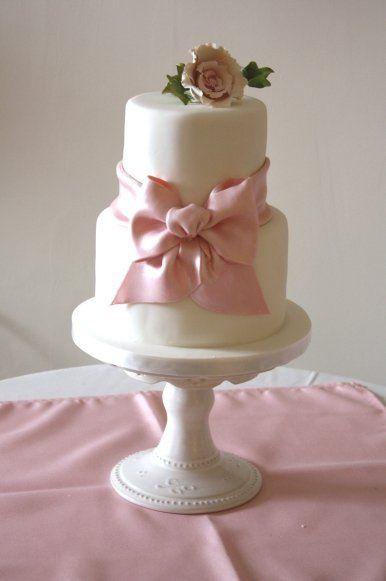 Round two tier custom elegant unique wedding cake designs ideas and