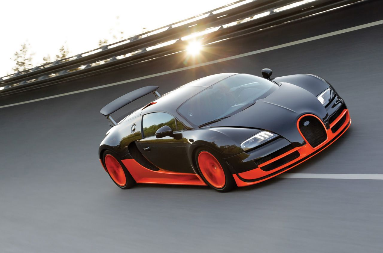 Beau Bugatti Veyron Super Sports, #1 Fastest Car In The World, Goes 267 Miles