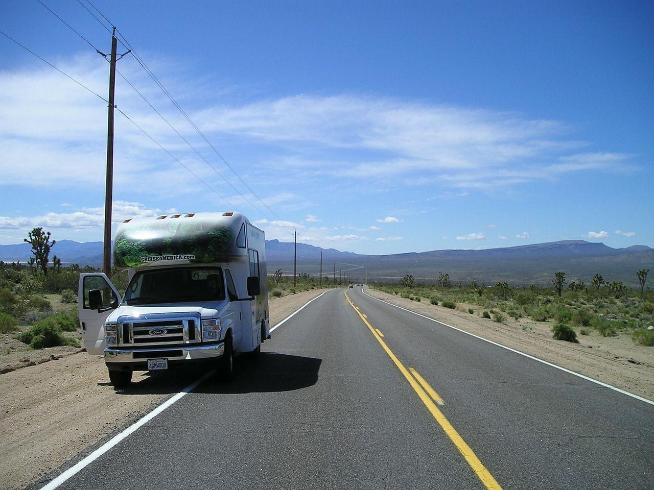 Vacation, Mobile Home Caravan Road Trip Travel Usa R