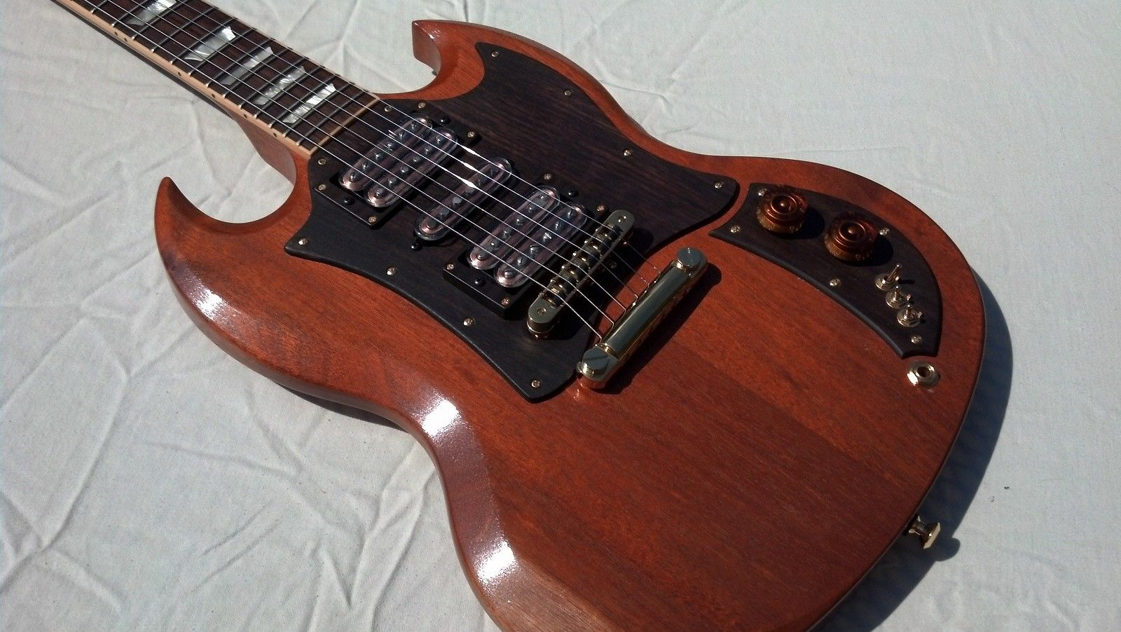 best looking sg i 39 ve seen wood and steel in 2019 guitar gibson sg gibson guitars. Black Bedroom Furniture Sets. Home Design Ideas