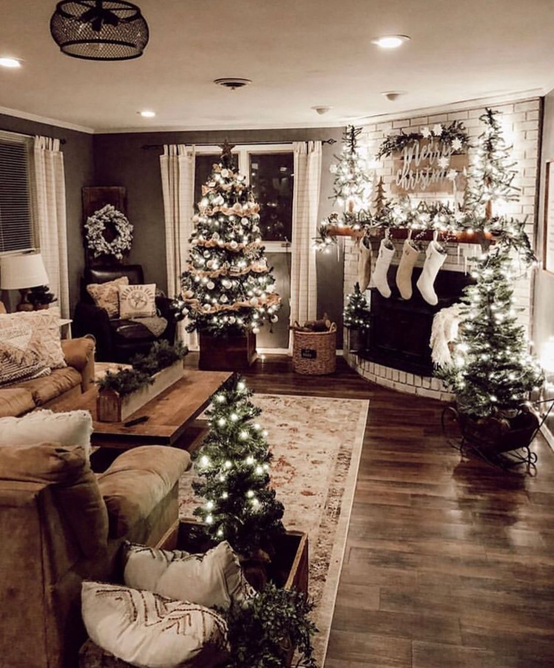 christmas decor ideas for small living room