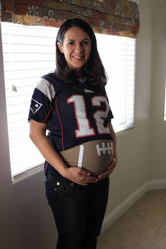 Football themed baby shower LOL we should have Cami do this!
