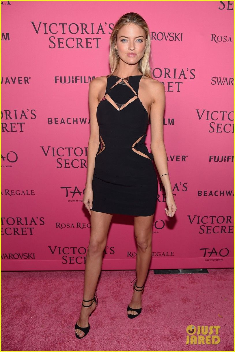 MARTHA HUNT -Victoria\'s Secret Angel Attends the Fashion Show After ...