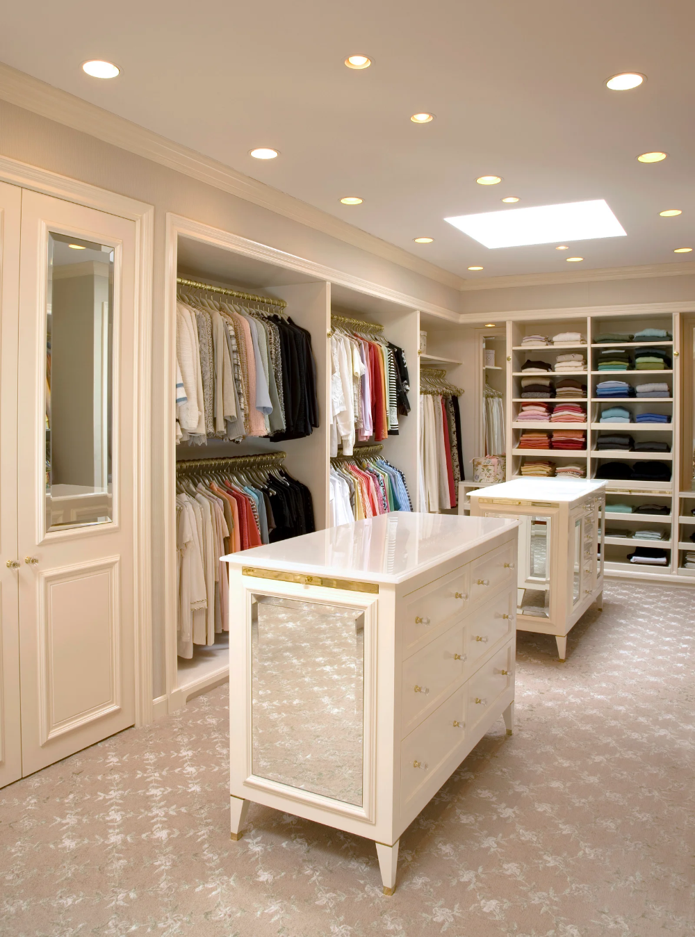 29 Best Closet Organization Ideas To Maximize Space And Style In 2020 Home Closet Designs Girls Dream Closet