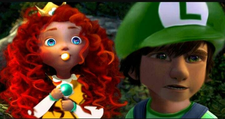 Little mericcup dress up as Luigi and daisy