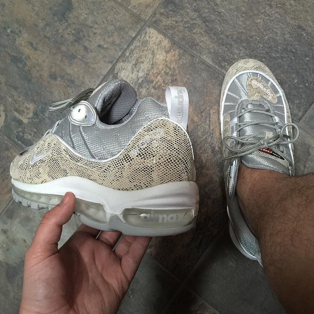 new products 24d49 8ff79 Supreme Air Max 98  supreme  airmax98  Nike  airmax  wlu  wdywt  runnergang   runnersonly  theshoegame  teamairmax  igsneakercommunity  g1runners   grailgang ...