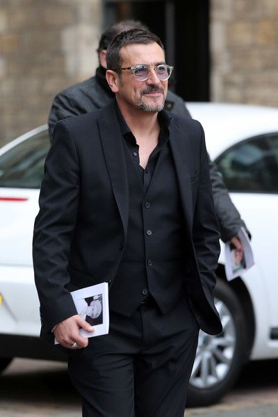 Chris Gascoyne Photos - Actor Chris Gascoyne departs the funeral of actress Liz Dawson at Salford Cathedral on October 6, 2017 in Salford, England. Actress Liz Dawn who died aged 77, played Vera Duckworth in Coronation Street for 34 years. She was  diagnosed with lung disease emphysema and was written out of the show in 2008 at her own request. - Funeral Held For Coronation Street Actress Liz Dawn