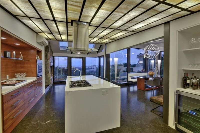 25 Stunning Kitchens with Big Windows Page 5 of 5