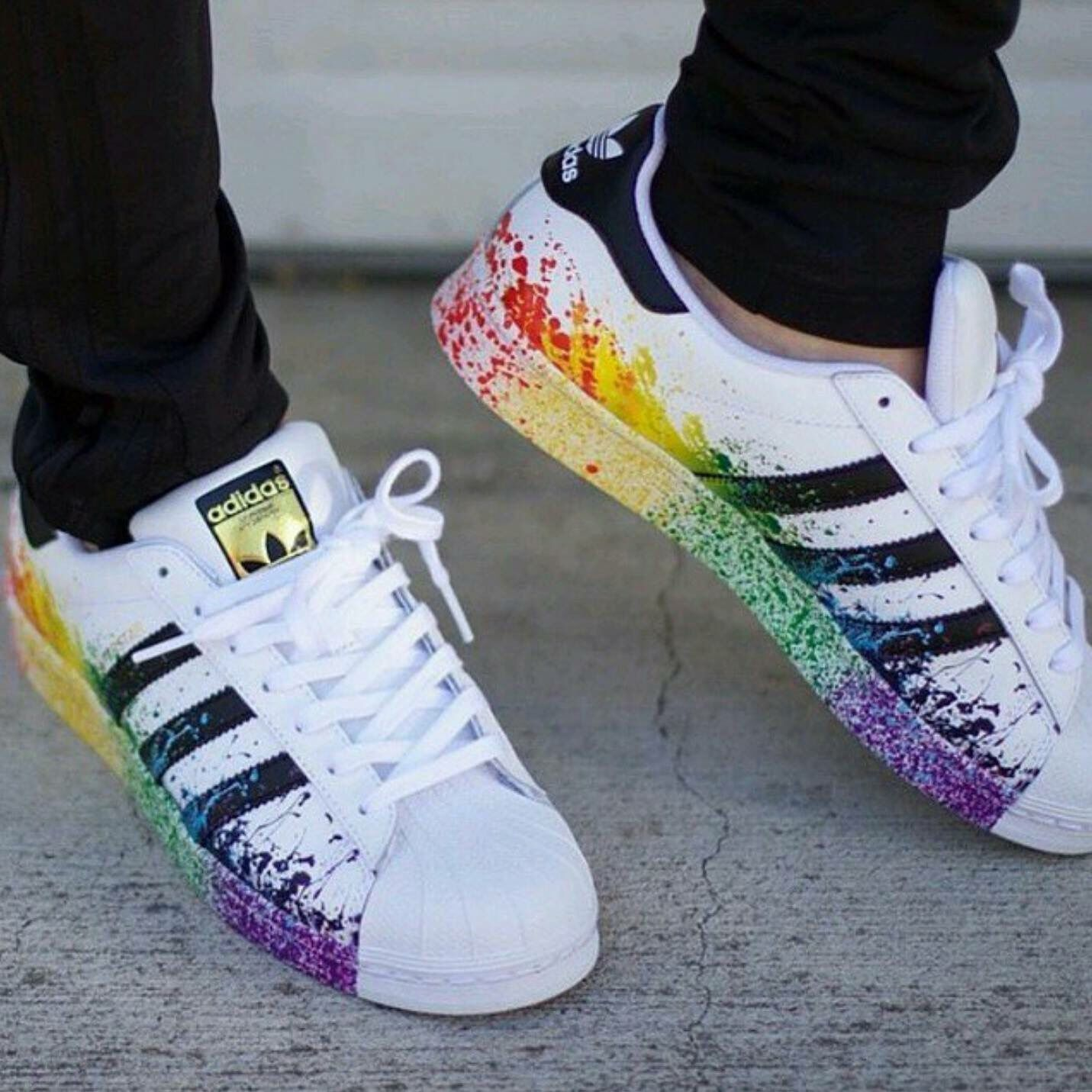 baffa66c84b Check out these adorable diy splatter adidas shoes!