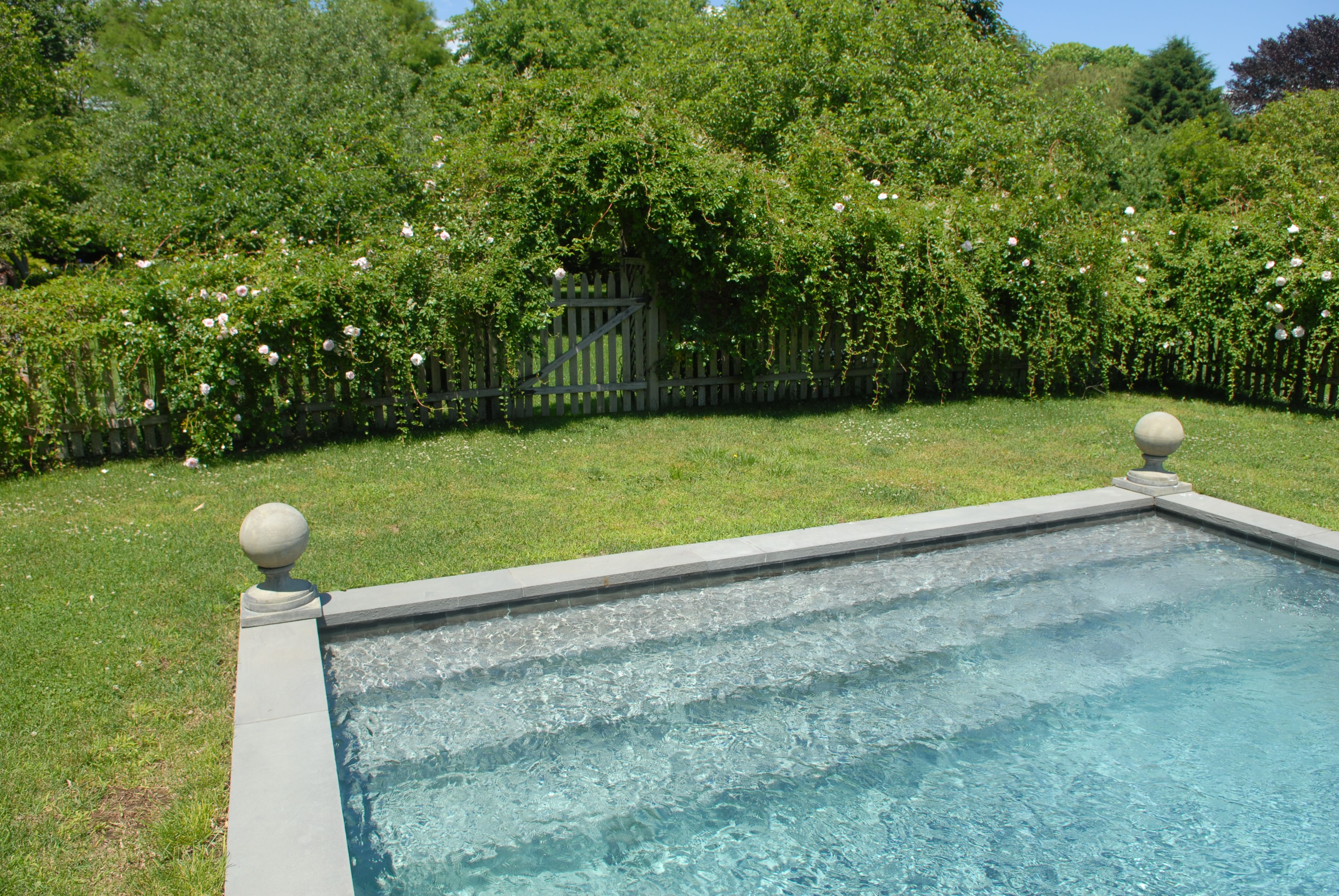 Custom built steps and pool design steps benches east for Pool design hamptons