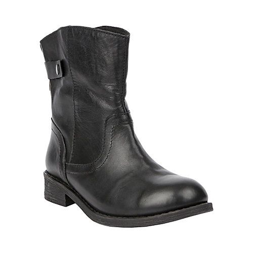 LAWLOR BLACK LEATHER women's bootie flat casual - Steve Madden