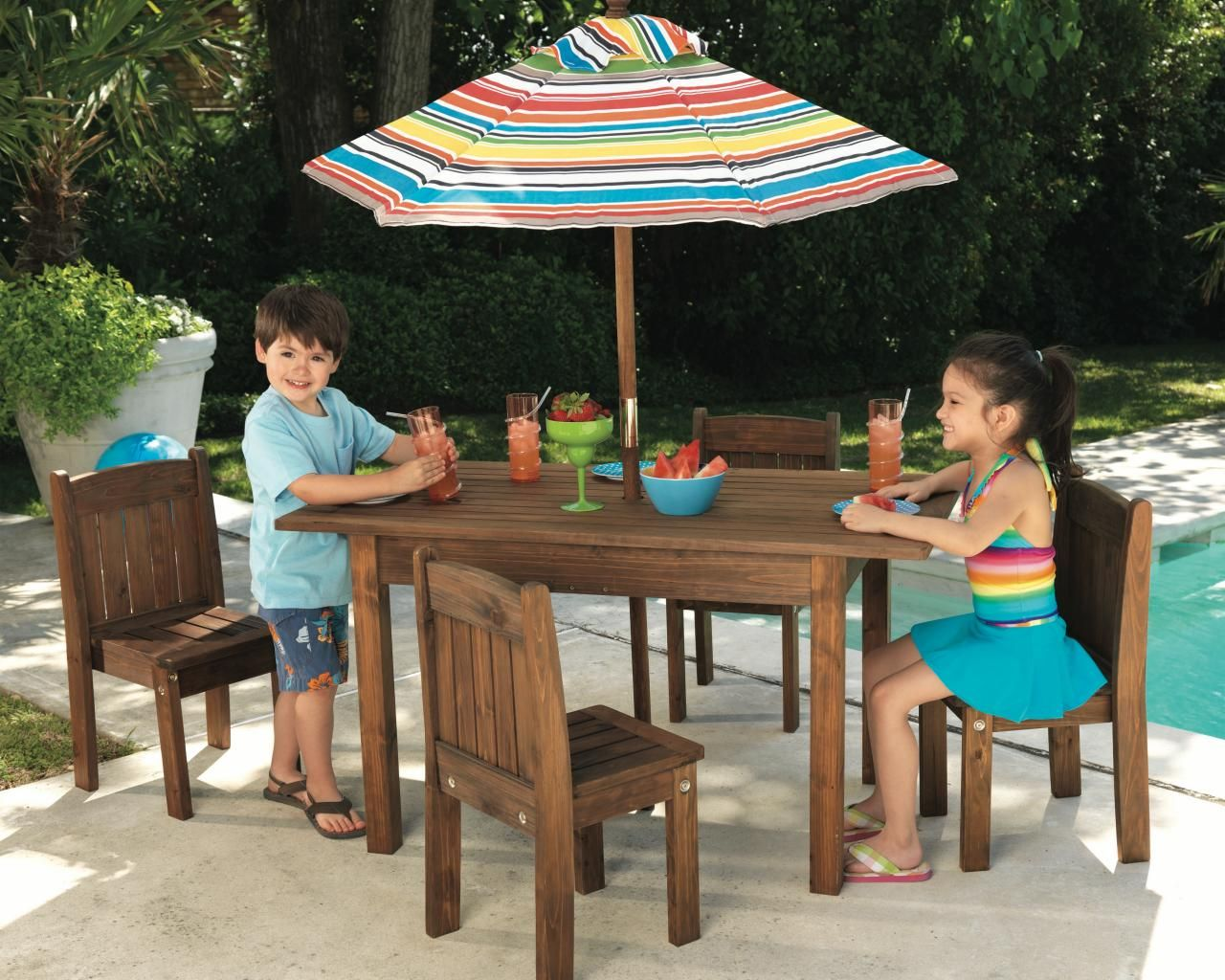 Outdoor Room Ideas For Kids Kids Outdoor Furniture Outdoor Table Settings Kids Table Chairs