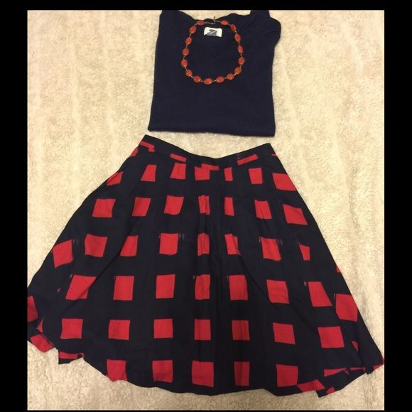 "GAP Navy & Red Flounce Skirt So pretty for this upcoming season! Lightweight in feel with a nice separate navy polyester lining. 18"" long. Very good used condition. Worn maybe twice! GAP Skirts A-Line or Full"