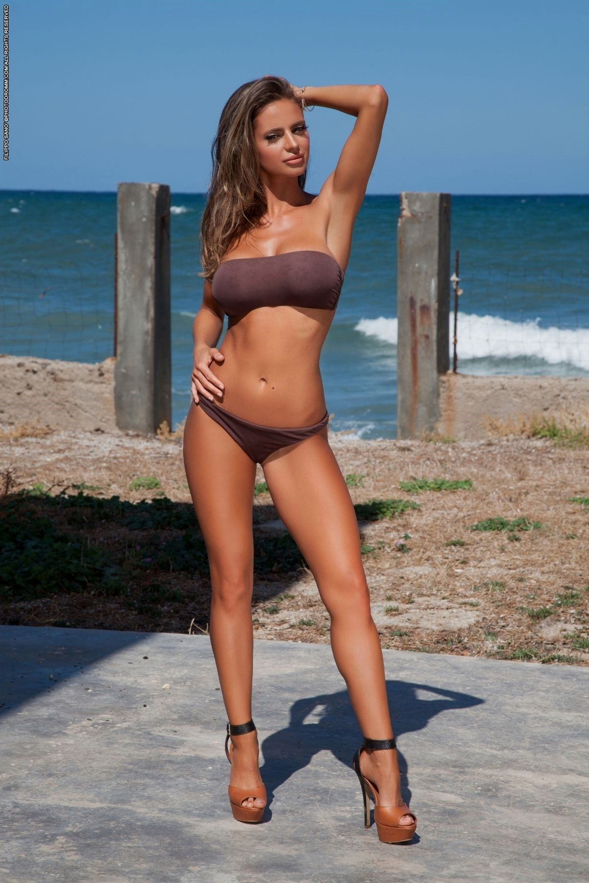 Sexualchocolate Cream Bikini Heels
