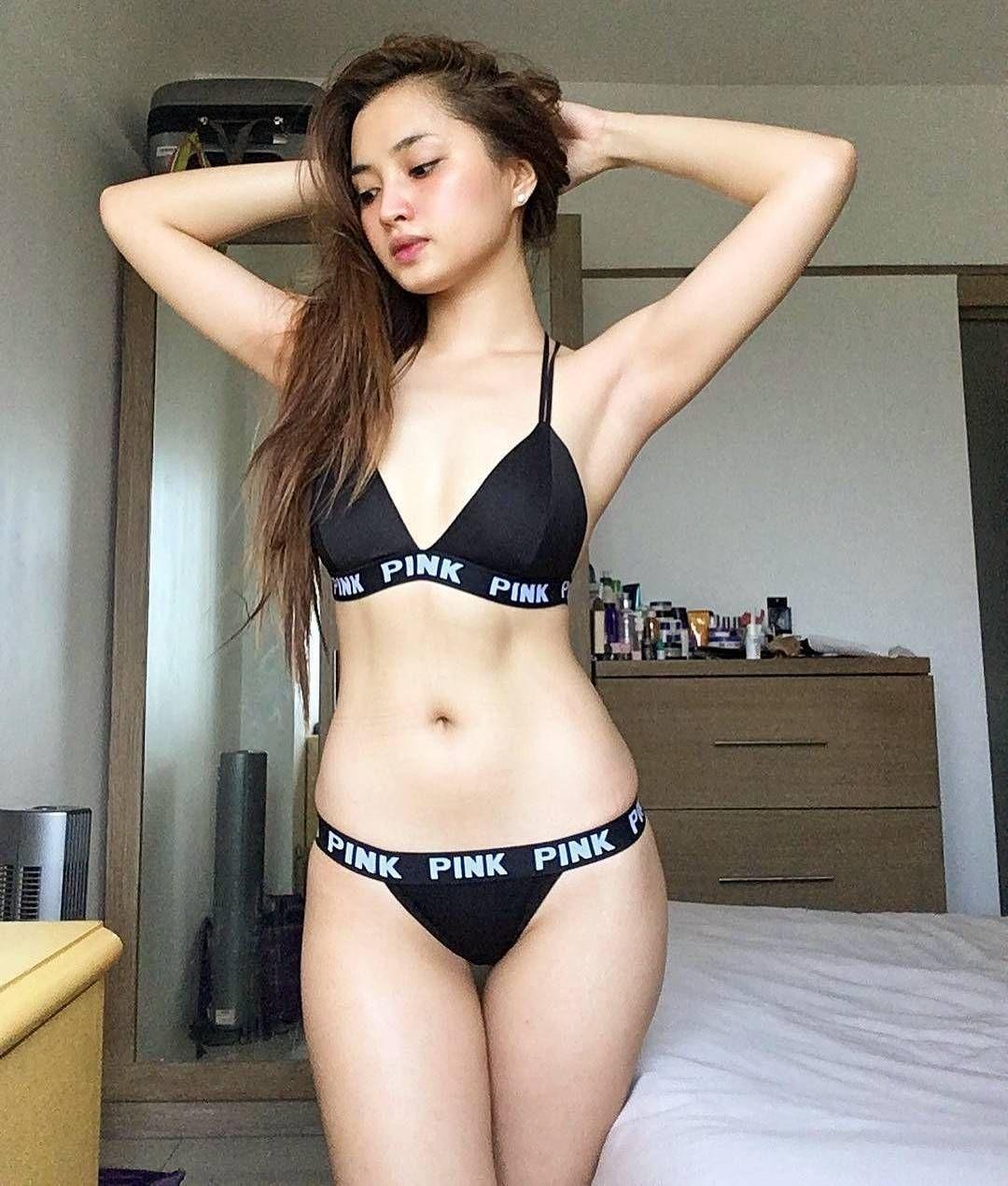 mega fit girls naked