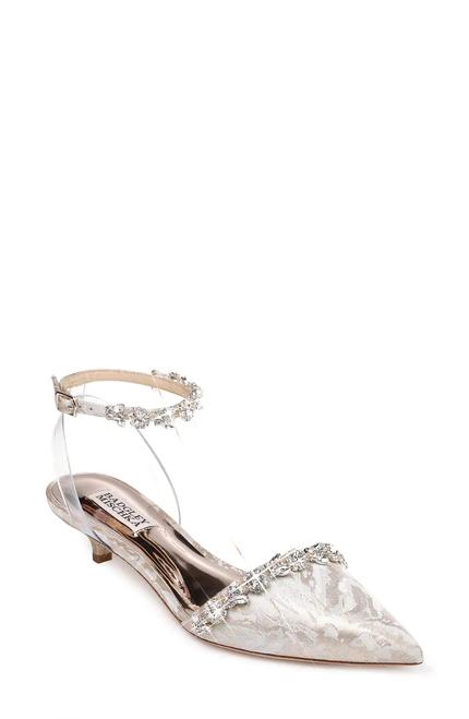 Pin By Regina Pfaefflin On Wedding Accessories Decor Designer Wedding Shoes Glamorous Jewelry Bridal Pumps