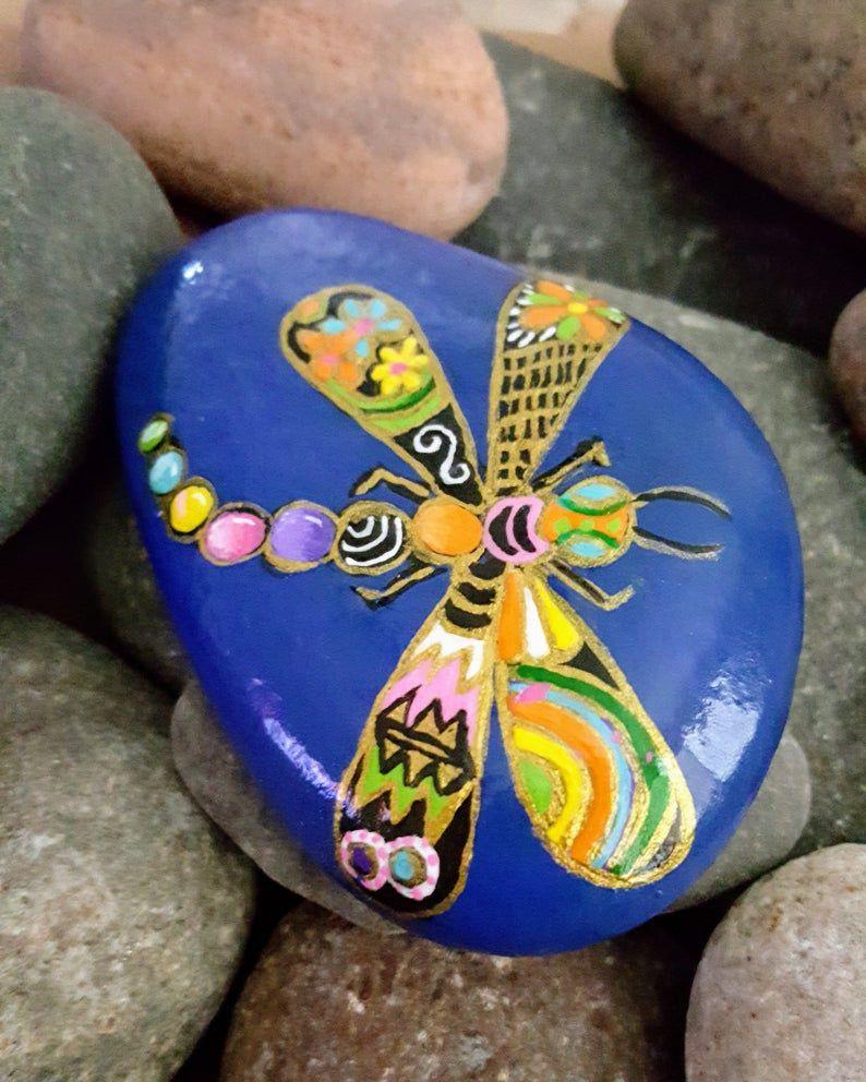 Hand bemalt River Rock - Dragonfly - Royal Blue