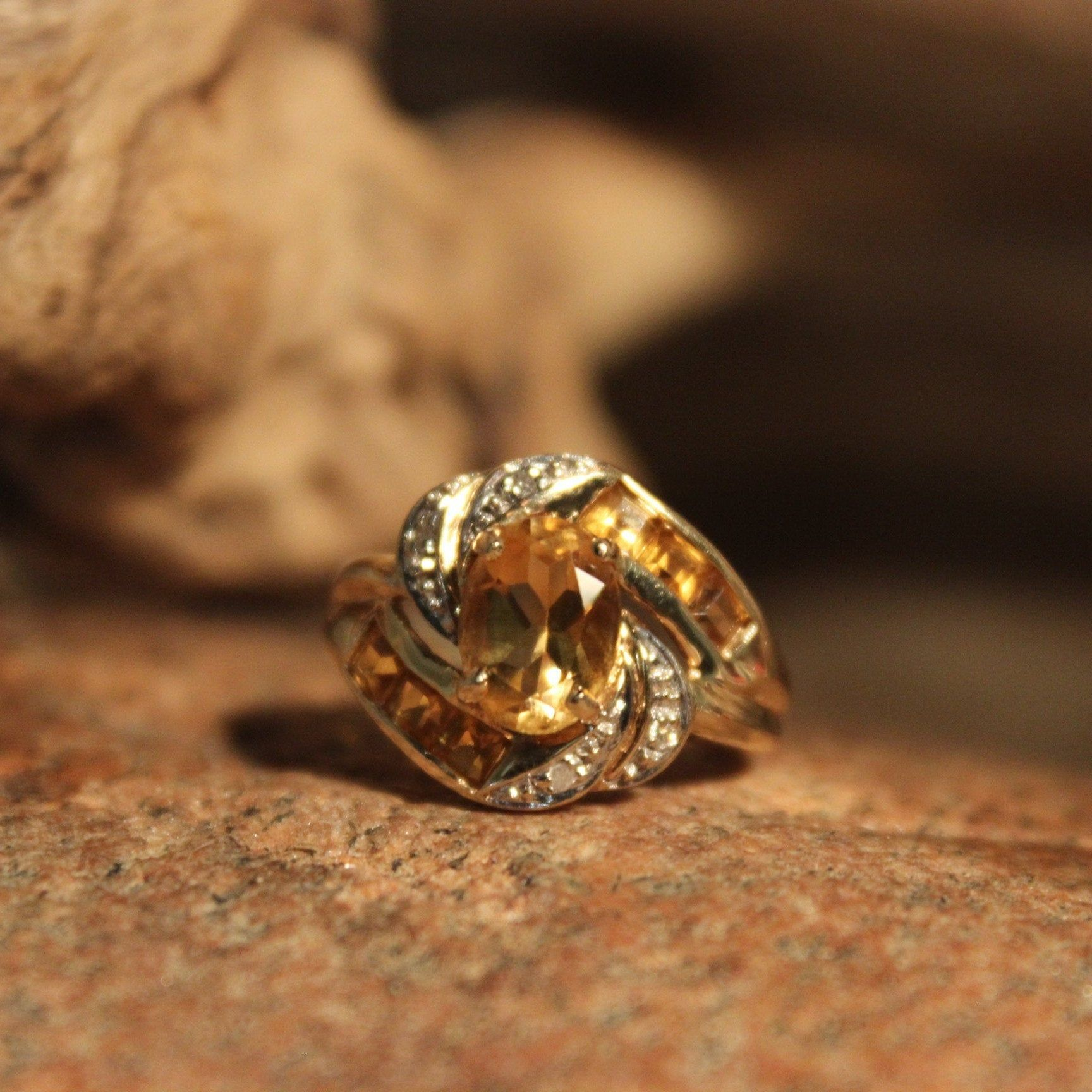 1990 S Vintage 10k Solid Gold Citrine Diamond Ring 2 4 Grams Size 4 Yellow Gold Citrine Ring 1990 Gold Ring Vintage Gold Citrine Rings In 2020