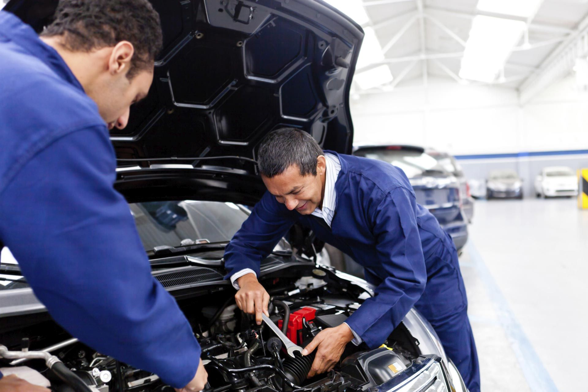 MAINTENANCE SERVICES Oil Change Service Tune Up