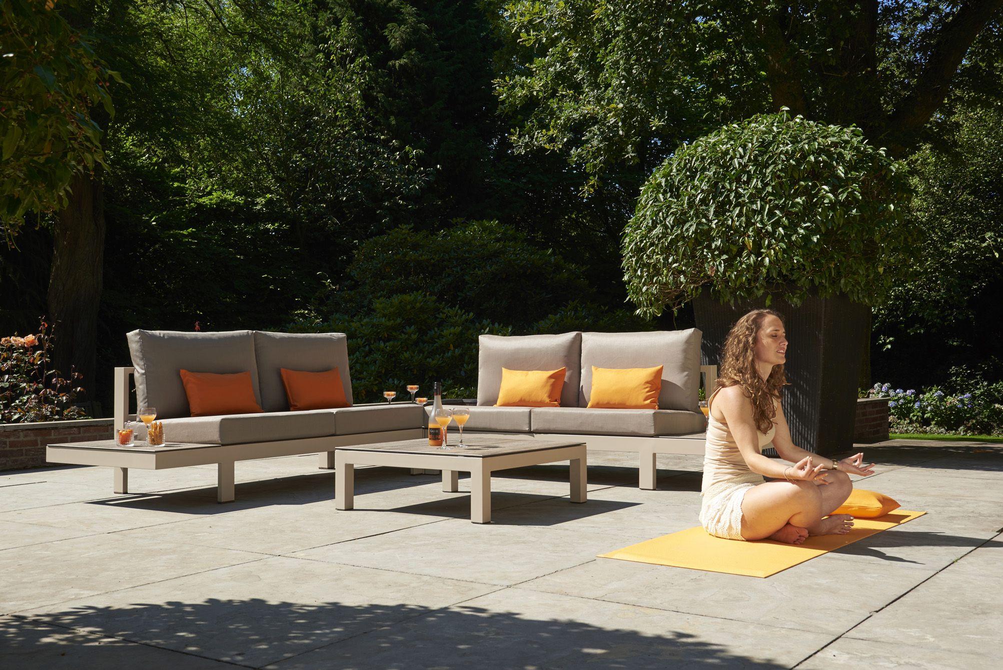 Lounge Set Tuin : Moderne loungeset in cream loungeset tuininspiratie tuin