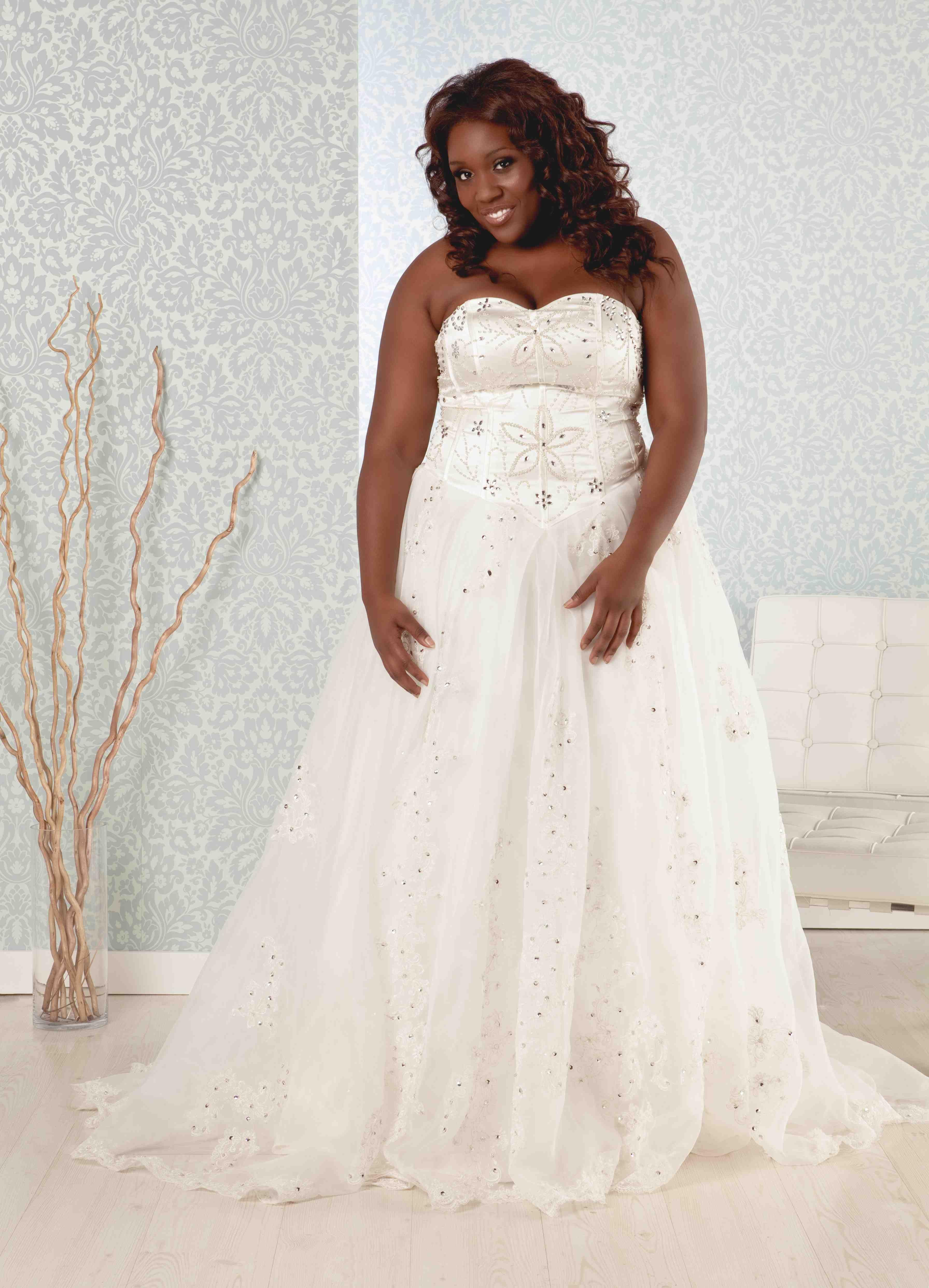 Real Size Bride Plus Size Madeline Size 10 Wedding Dress Oncewed Com Plus Size Wedding Guest Dresses Princess Wedding Dresses Ball Gowns Wedding [ 4968 x 3584 Pixel ]