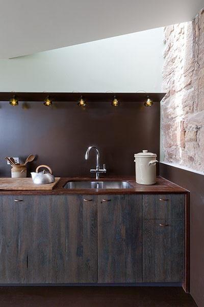 cocina, puertas chapadas madera y interior color!