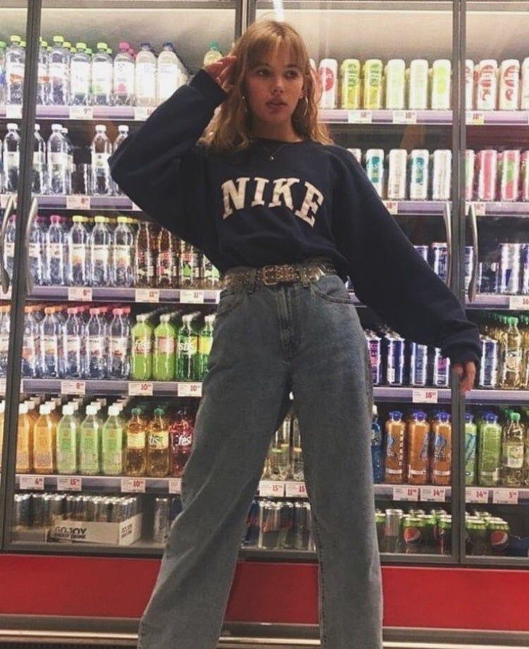 Aesthetic Outfit Vintage Boyfriend Nike Necklace Girl Jeans Fashion Https Weheartit Com E Fashion Inspo Outfits Fashion Teenage Girls Retro Outfits