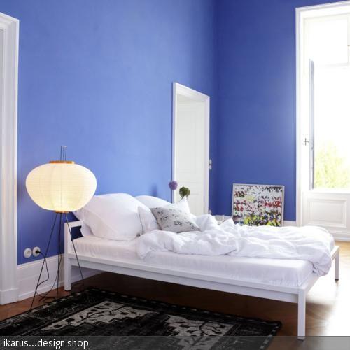 Schlicht und dezent - weißes Metallbett von ikarus Interiors - modernes bett design trends 2012